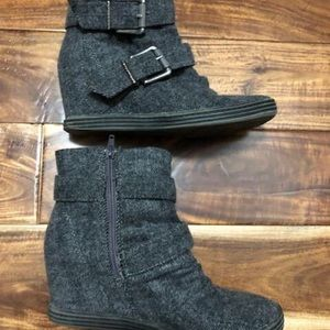 Blowfish gray wedge boots size 8.5